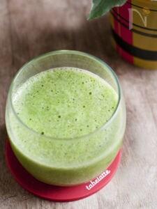 食べ過ぎたらこれ。キウイのグリーンジュース
