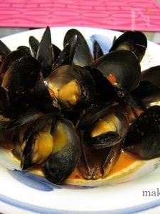 ムール貝のキャセロール蒸し~トマトとにんにく、白ワインで~