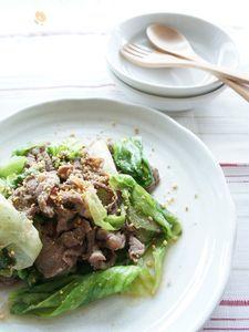 牛肉とレタスの炒め物