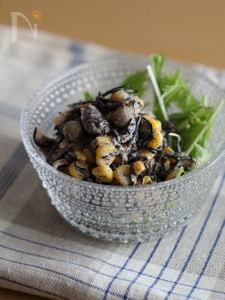 ひじきと豆のごまサラダ