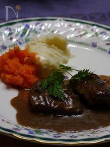 ブフ・ブルギニヨン(牛肉の赤ワイン煮込み)