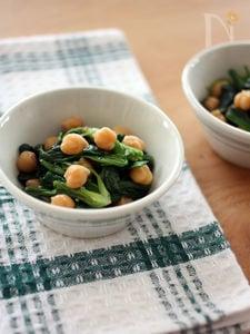 ほうれん草とひよこ豆のガーリックサラダ