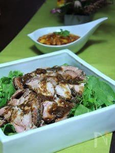 塩麹豚のパストラミ・バルサミコソース