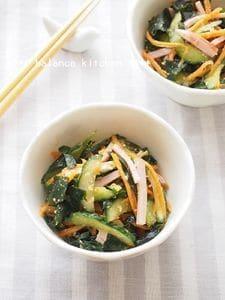 子どもも喜ぶ きゅうりとわかめの中華風サラダ