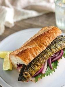 さんまのカレーサンドイッチ