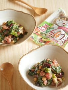 ネバネバ野菜とマグロ、蒸し豆のスプーンサラダ