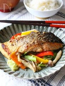 秋鮭のちゃんちゃん焼き。