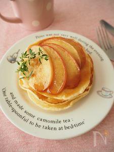 キャラメルアップルソースのパンケーキ