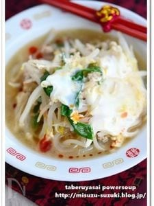 もやしと豚ひき肉の食べる中華風スープ鍋