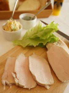 炊飯器で作る、しっとりジューシー蒸し鶏