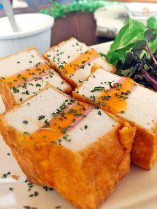コスパは最高♪厚揚げとハムチーズのピカタ