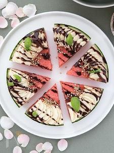 バジルとチョコレートのすいかピザ