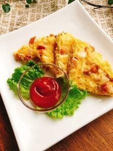 朝食✴︎クリーム入りのソーセージとキャベツ入り卵焼き