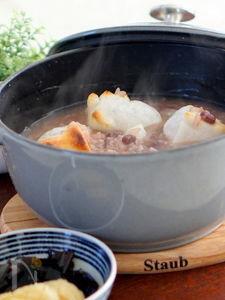 ストウブ鍋で小豆粥