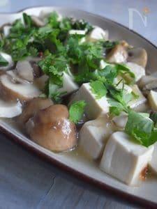 豆腐とマッシュルームのあっさり旨煮