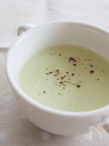 じゃがいもとアスパラガスの冷たいスープ