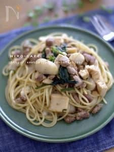 里芋と厚揚げの挽肉の和風パスタ☆