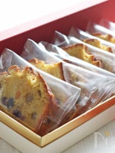 プルシア漬けドライフルーツのケーキ