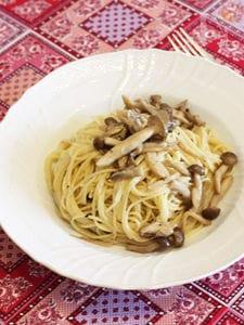 いろいろ茸のクリームパスタ カルヴァドス風味