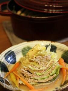 ストウブ鍋☆キャベツと豚ひき肉の重ね蒸し