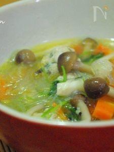 餃子のタネで!肉団子と春雨の中華スープ