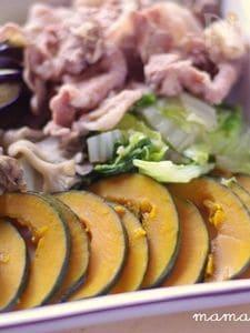 ホットプレートでも♪旬野菜と豚肉の蒸ししゃぶ