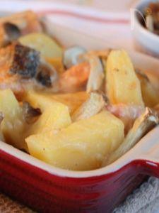 秋鮭とじゃがいもの味噌ホワイトグラタン