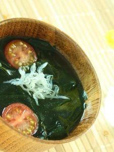 【節電レシピ】じゃこだし!トマトとわかめのお味噌汁