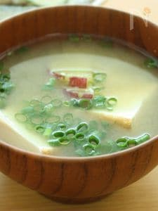 さつまいもと厚揚げのお味噌汁