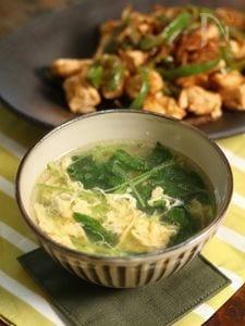 【三つ葉とたまごの中華風スープ】