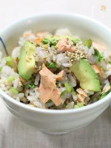 鮭とアボカドとクレソンの混ぜご飯