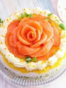 大きなバラのケーキ寿司