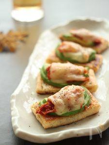 アボカドキムチの一口お揚げトースト