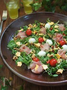 キッチンばさみで☆豆苗のピザのような彩サラダ