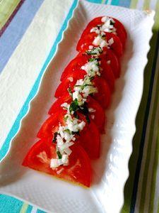 紫蘇ドレッシングのトマトサラダ