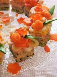 昆布白だし☆お雛様色の一口花寿司