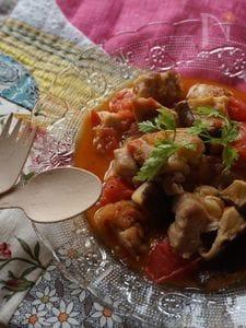 鶏肉とキノコのトマトソテー