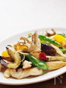 鶏胸肉とカラフル野菜の醤油炒め