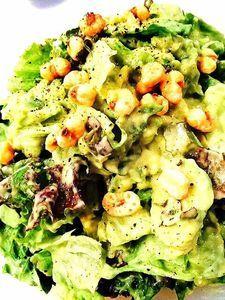 アボカドとレタスのサラダ