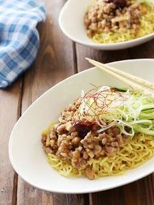 10分で作るピリ辛ジャージャー麺