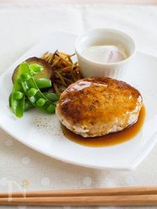 豆腐ハンバーグ 温玉照り焼きソース