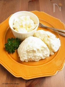 牛乳から作る自家製リコッタチーズ/カッテージチーズ