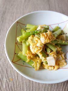 アスパラと帆立のふわふわ卵炒め