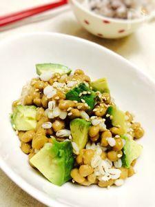 【美腸レシピ】丸麦&アボカド納豆