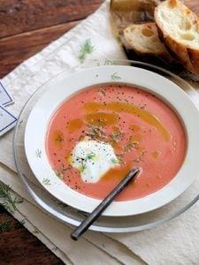 ヨーグルトトマトスープ。