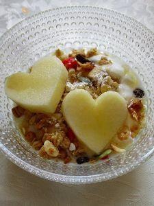 R1使用自家製ヨーグルトでりんご健康ヨーグルト
