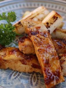 鶏胸肉のはちみつ梅入り照り焼き