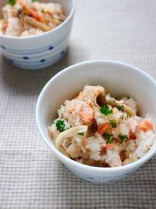 バターとごま油香る♬鮭の混ぜご飯