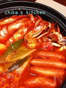 これ美味しー♪海鮮とトマト缶で♪コク旨イタリアントマト鍋♡