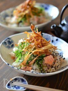 鮭とパリパリごぼうの混ぜごはん